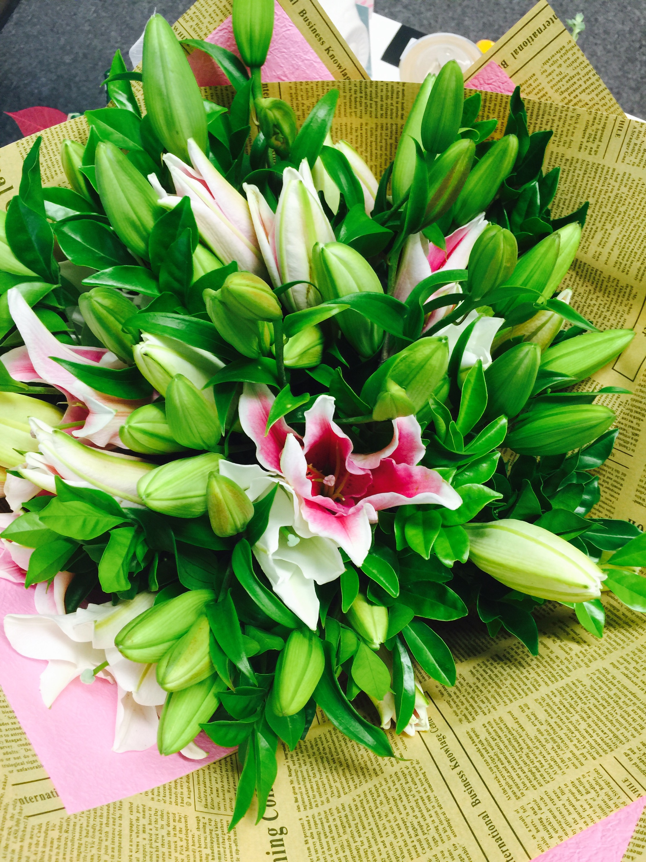 Grand prizes last week of mrs tinks 30gst birthday giveaway what girl doesnt love a beautiful bunch of flowers izmirmasajfo